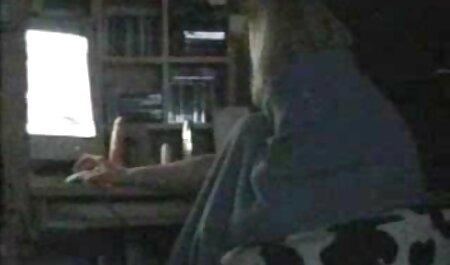 क्यूट लेस्बियन ने अपने दोस्त के लिए रोमांस की व्यवस्था हॉलीवुड फुल सेक्स फिल्म की और बाथरूम में उसे गड़बड़ कर दिया